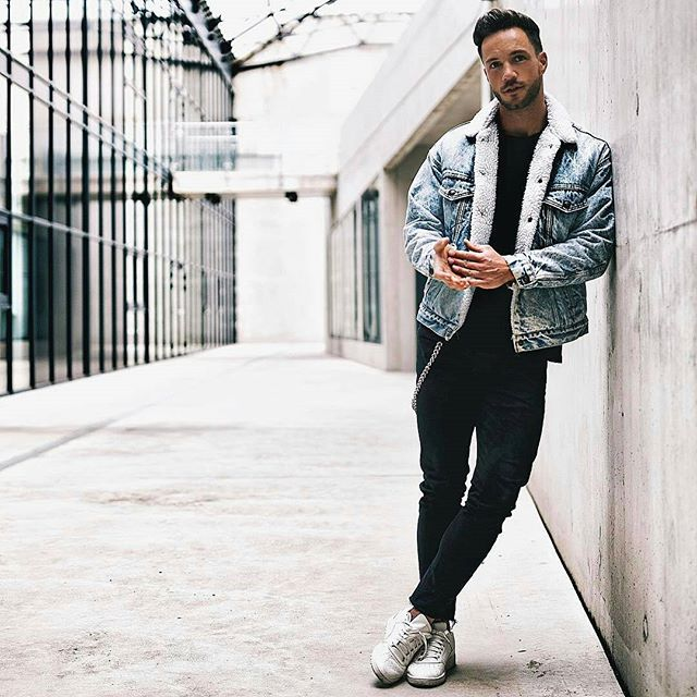 "The perfect look for men in 2017! ""Denim Jacket"" available at 👉@bentonapparel . . Order today & get free shipping!"