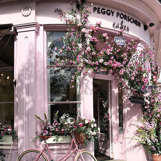 •• Charming cake confectioner place in London Peggy Porschen Cakes oh how I miss London ••