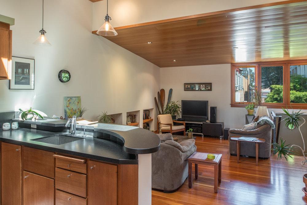 5-211-loft style residence-mixed use.jpg