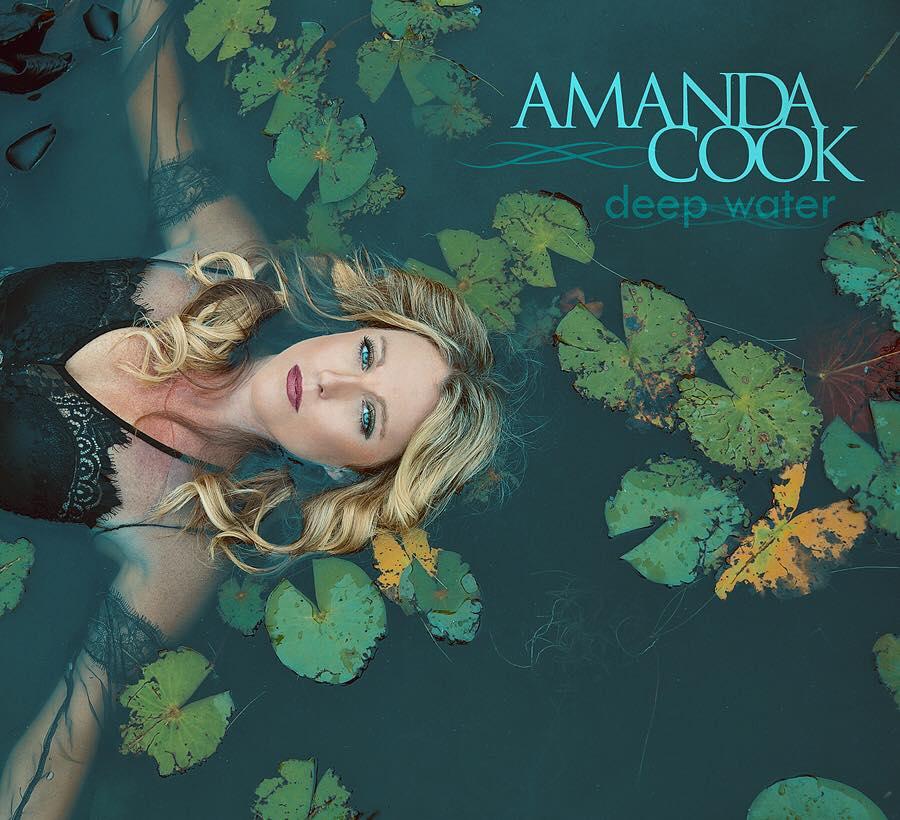 Amanda Cook.jpg