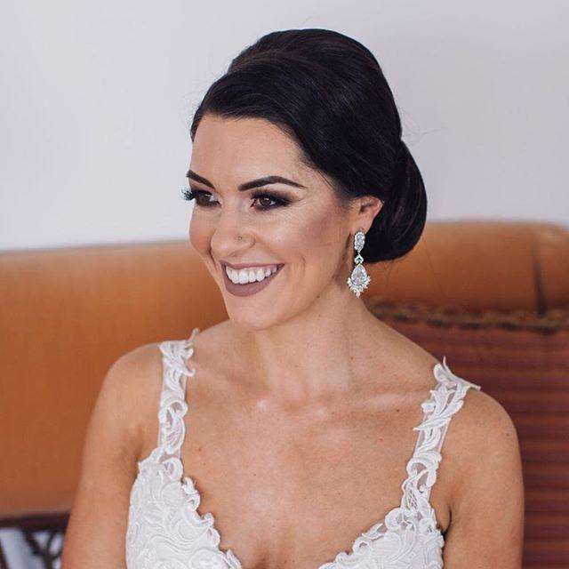 Stunning bride Kell 💕 another beautiful destination wedding! . . . #bridegoals #bridalmakeup #bridalbeauty #weddingmakeup #weddingmakeupartist #makeupartistscairns #cairnsmakeupartist #makeupartistaustralia #instabeauty #instaweddings