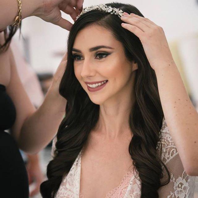 Beautiful Cherise such a perfect day for a stunning bride 💕 . . . #bridegoals #bridalmakeup #bridalbeauty #weddingmakeup #weddingmakeupartist #weddingmua #makeupartistscairns #makeup #cairnsmakeupartist  #instamakeup #instabeauty