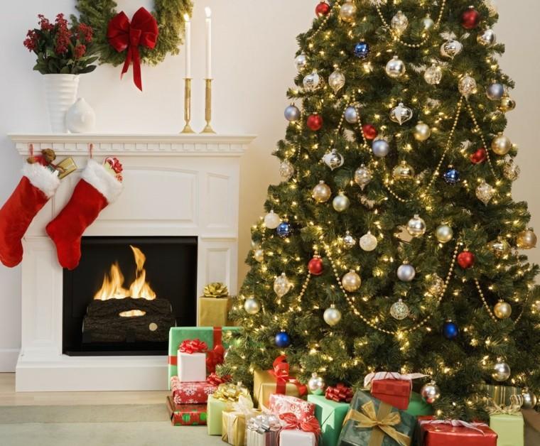 chimeneadosalcetines-rojos.jpgregalos calcetines navideños