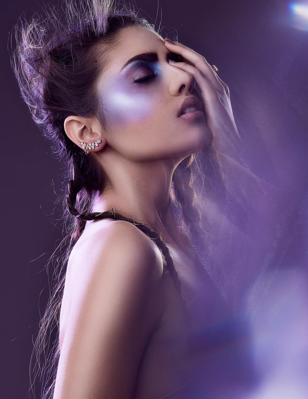editorial-simone-haas-bianca-puchmueller-models-makeup-metallized-makeup-portrait-lizz-sator-prontolux04_spectrum_byLizzKrobath.jpg
