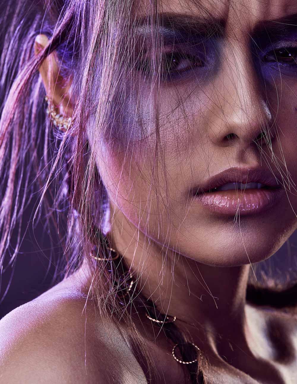 editorial-simone-haas-bianca-puchmueller-models-makeup-metallized-makeup-portrait-lizz-sator-prontolux11_spectrum_byLizzKrobath.jpg