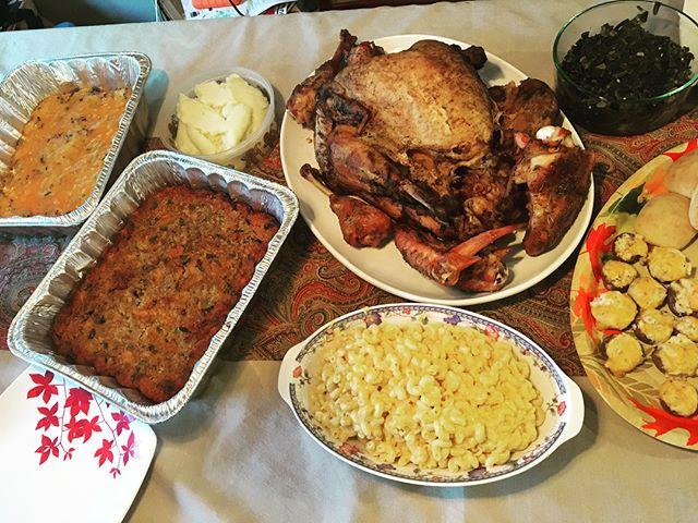 #thanksgivingfeast #roastedturkey #seafooddressing #shrimpandwildrice #macandcheese #fatfree #carbfree #vegan #sweetpotatopie #pumpkinpie #sugarfree