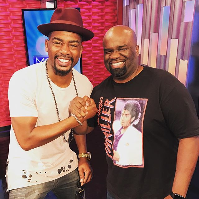 Today we hung out with a true World Champion of entertainment; MISTER Bill Bellamy! @billbellamy Check Out his comedy chow at @slslasvegas Friday & Saturday night! #comedy #lasvegas #morefox5 #legend #veejay #movies @morefox5