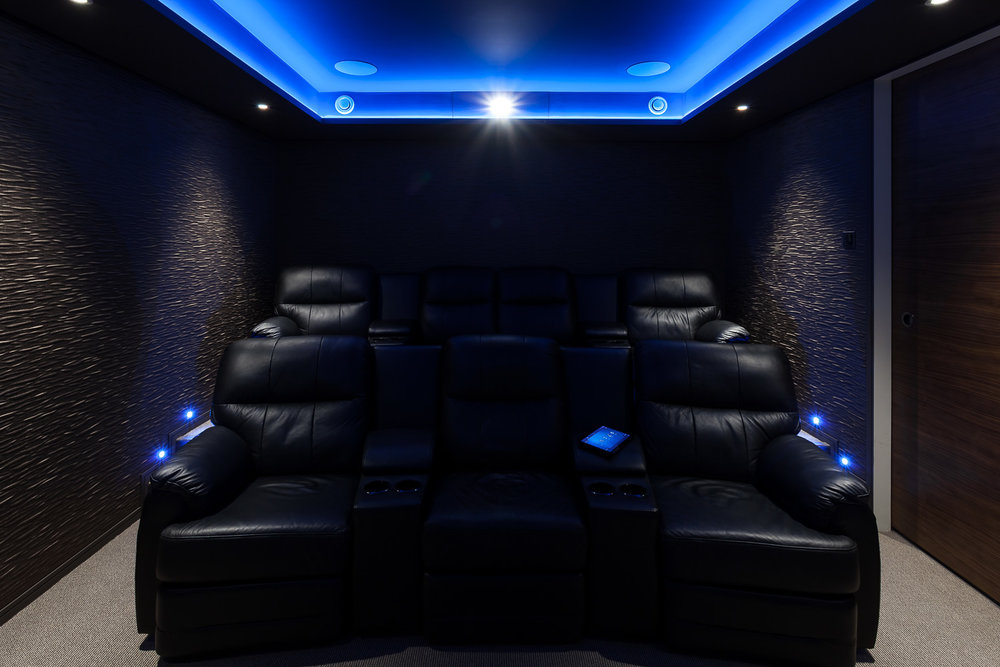 LONDON BASEMENT CINEMA -