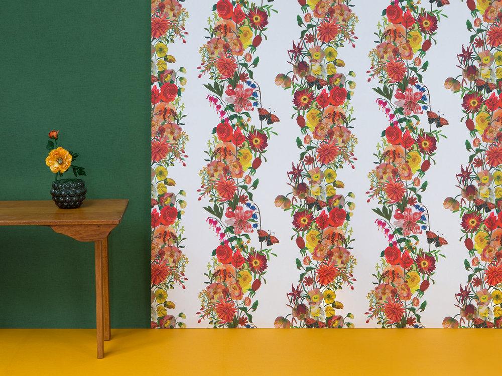 Avenida_Home_White_Garland_wallpaper.jpg