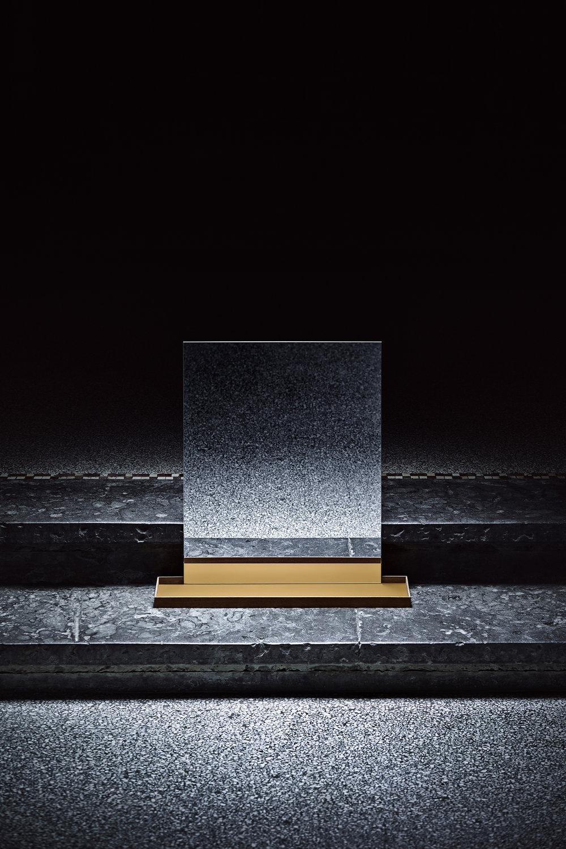 JohansenFaurschou_Fame_mirror_stand.jpg