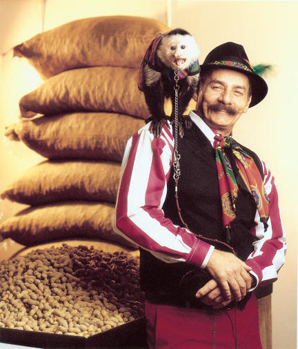 Organ Grinder and Monkey - Guests at your next affair will enjoy the old world charm of this dynamic performer and his counterpart as they mix, mingle and entertain.