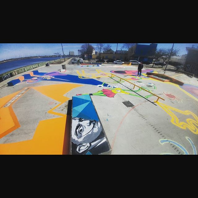 Respect to anyone trying to make a positive difference in their community.  Special thanks to all the partners in this project. #community #volunteering #volunteeringisjobcreation #theyouthisourfuture #forthekids #AtlanticCity #NewJersey #5thpocketskateparks #5thpocketdesign 🙏💫🌐💫🙏 @skateac @backsov @zev_1 @klotztradamus @hardrockhcac
