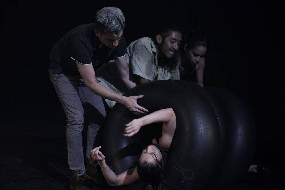 Pies sobre el agua  Luis Cifuentes, Sisa Madrid,Catalina Villagómez,Marcelo Guaigua.
