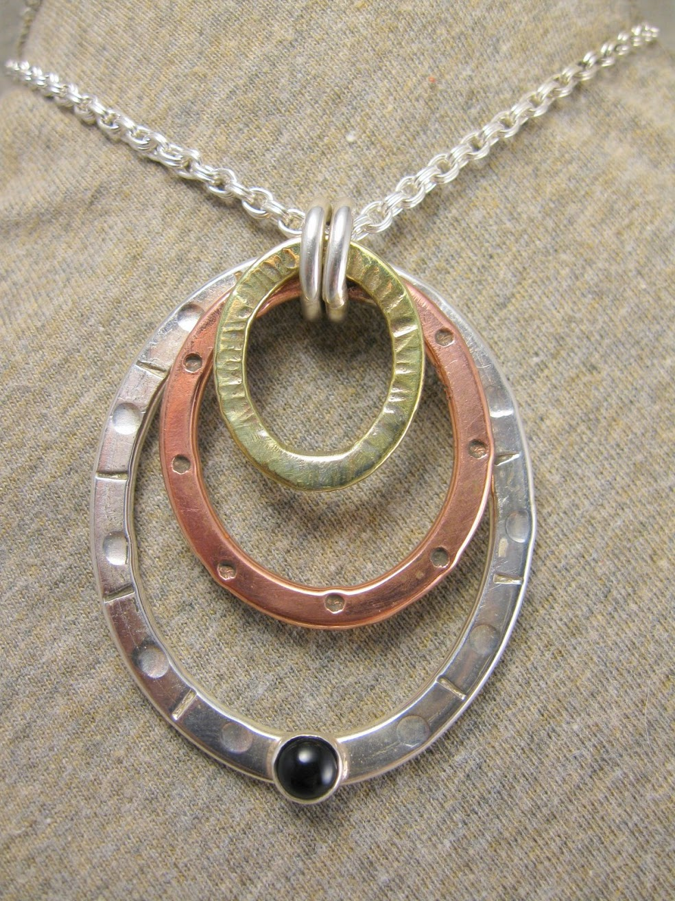 tri circle pendant necklace