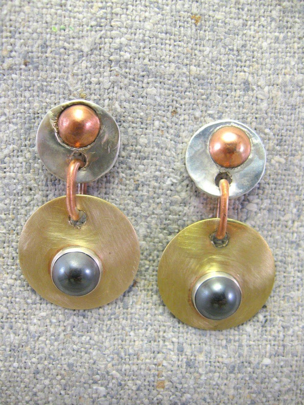 tri metal circles earrings (retired)