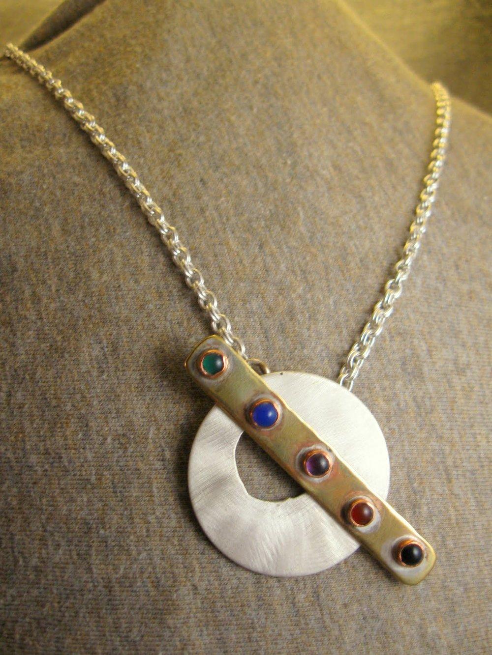 stonebar circle necklace