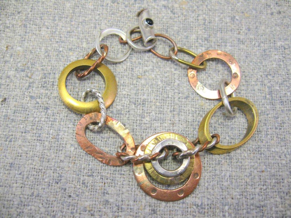 trilogy necklace (detail)