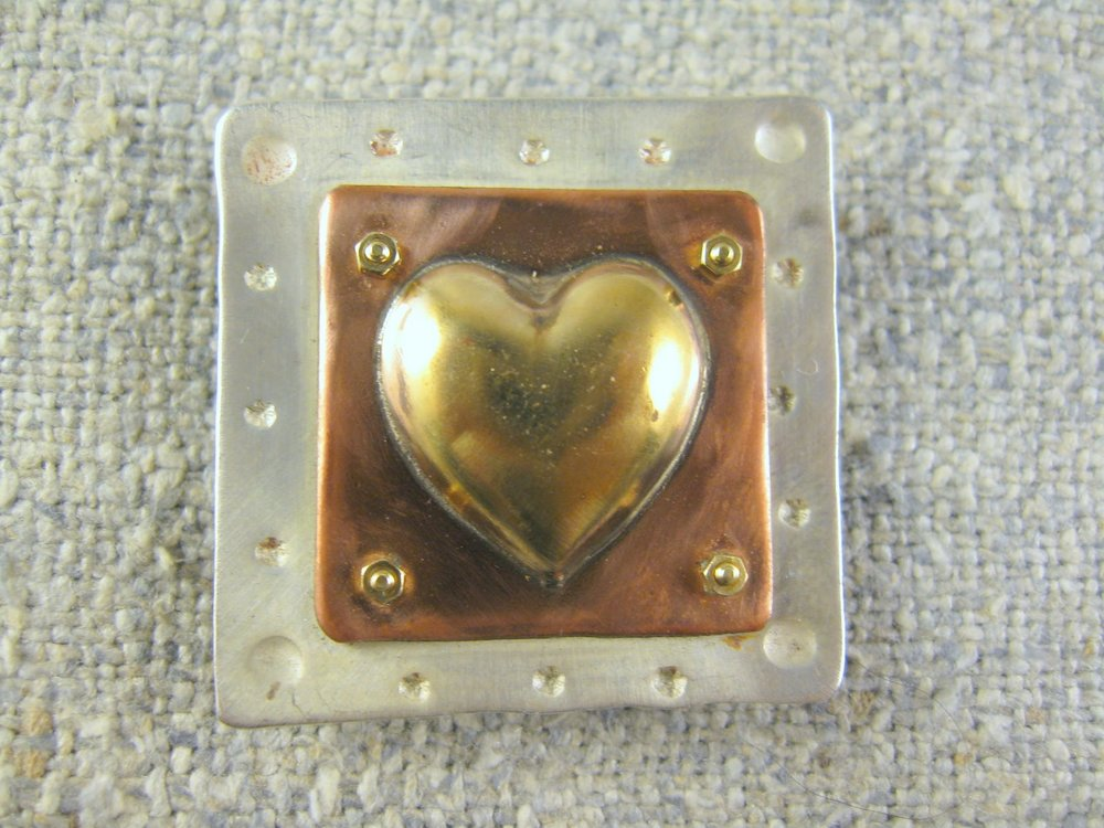 simple heart pin