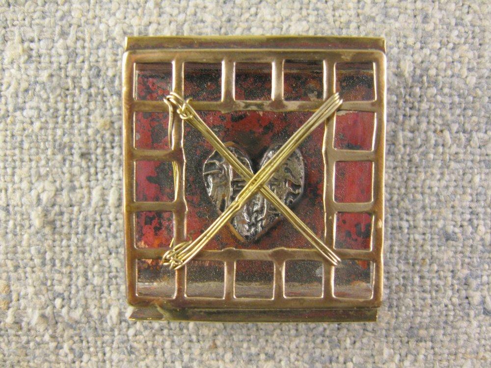 crossed heart pin