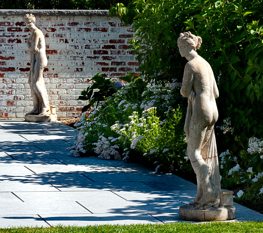 pool house statues.jpg
