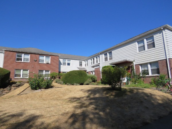 hawthorne vintage garden court apartments equity pacific real estate - Garden Court Apartments