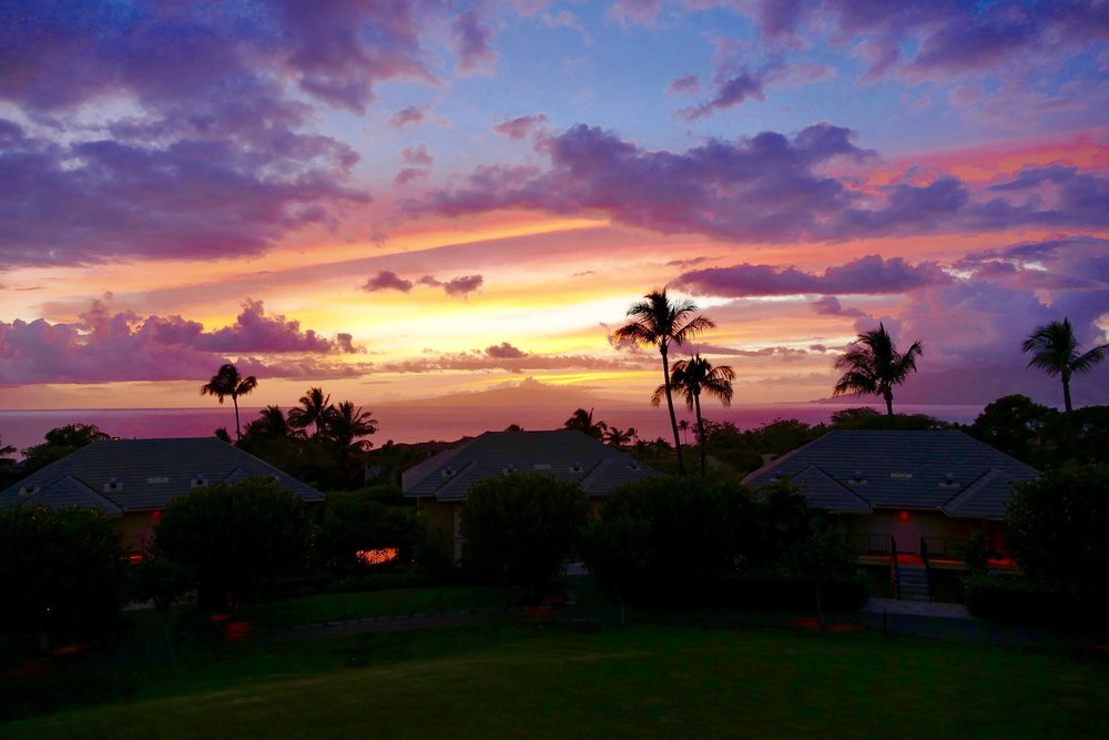 d603521455 We saw a lot of great sunsets in Hawaii (and one INCREDIBLE sun rise). I  thought I'd do a little round up here of sunset pictures.