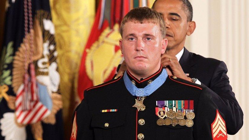 dakota-meyer-medal-honor-president-obama.jpeg