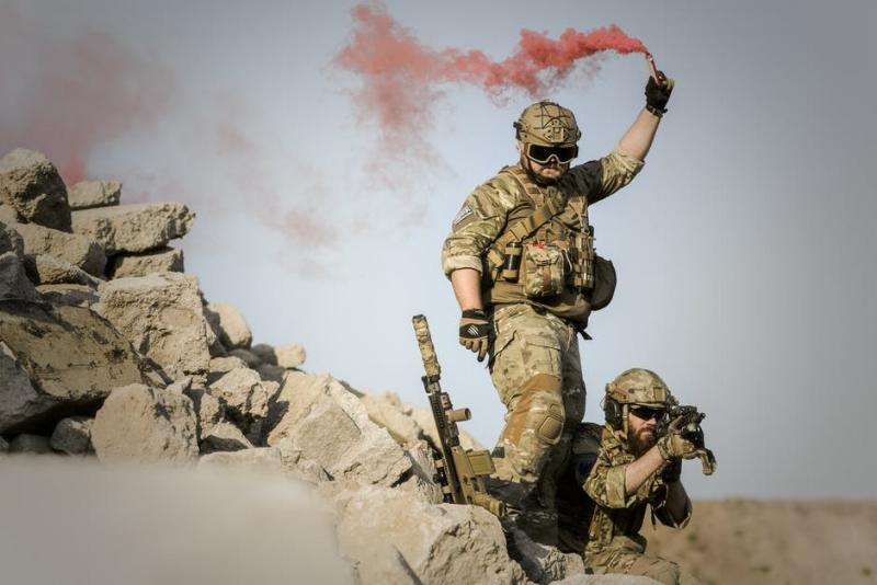 war-desert-guns-gunshow-163425.jpeg