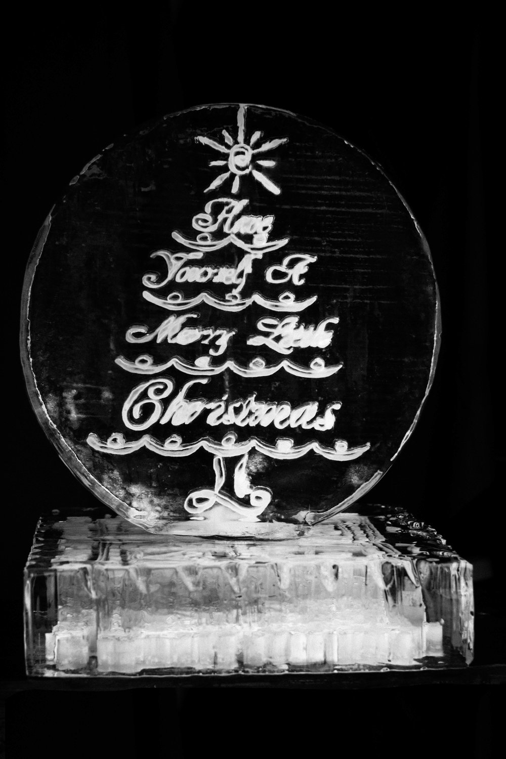 DI Ice sculpture Holiday 2.jpg