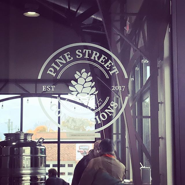 Tired of meeting at the same old place? Try Pine Street Concessions: WiFi, big tables & good eats too! #changeisgood #goodeats #localbusiness * * * @greensonthego @miyukis.noodle.shop @dantespizzact @pinestreetconcessions