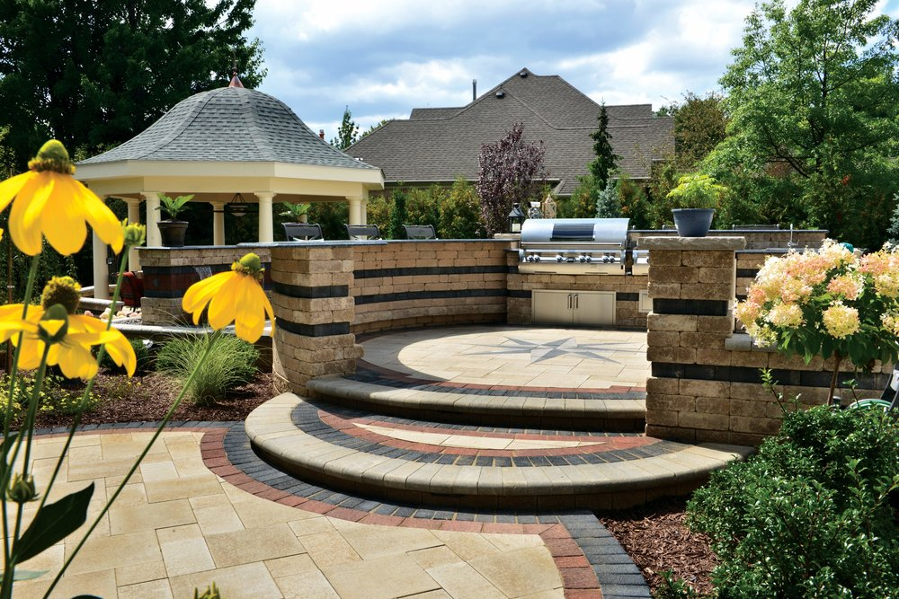 How to Select the Best Pavers for Outdoor Kitchens and Outdoor Dining Rooms in Harrisburg, PA