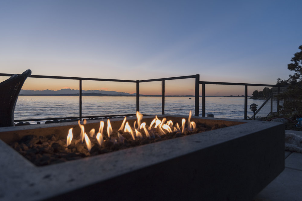 5 Beautiful Fire Pit Designs for a Modern Hardscape in Lancaster, PA