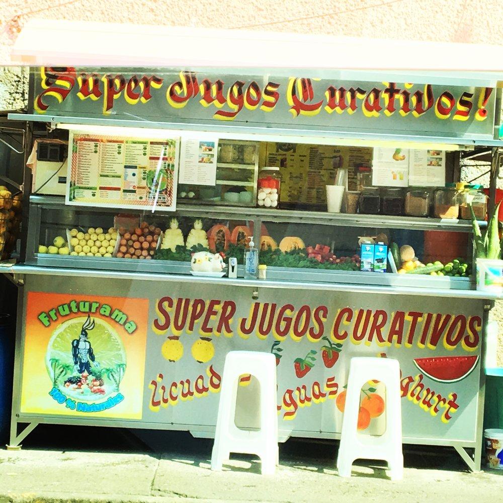 Fresh Juice Stand / Mexico City / ©2016 Melody Jean Moulton