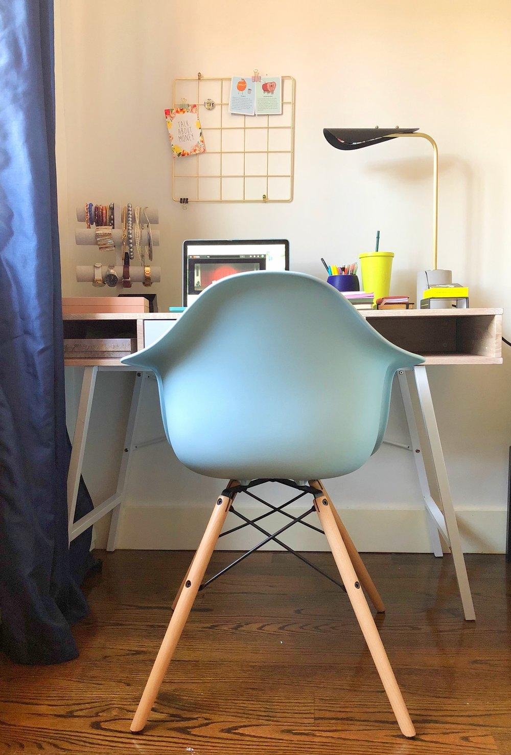 DHP Century Modern Molded Arm Chair - Eri Sabalvoro