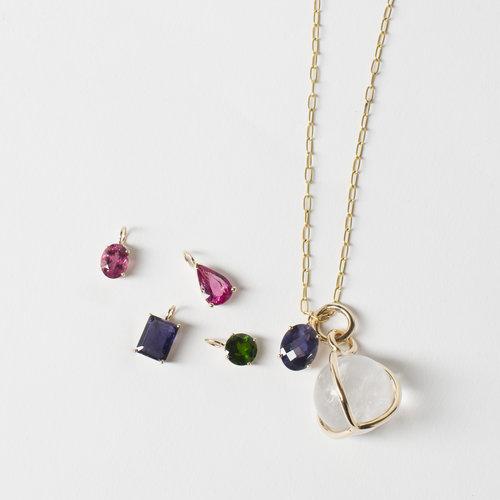 Semi precious pendants dans la main semi precious pendants aloadofball Gallery