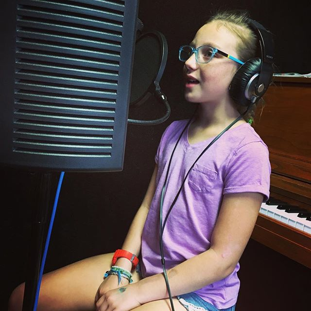Hayden at her #recording #techniques #class. #SignUp today and get your trial #lesson for just 10$! #singer #session #class #singing #learning #motivation #Burbank #neighborhoodrockschool #california
