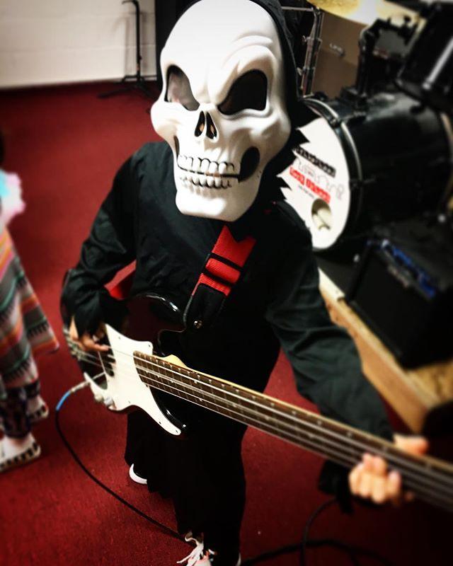 #HappyHalloween #rockers!!! 😈🤘🏼 #music #musicSchool #Burbank #kids #talent #California #LosAngeles #bass #piano #drums #voice #violin #guitar #sax #ukelele #band #practice #lessons #motivation #passion