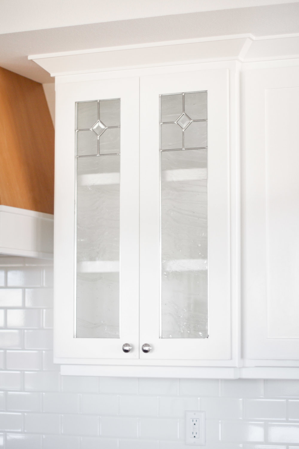 leaded glass kitchen cabinets