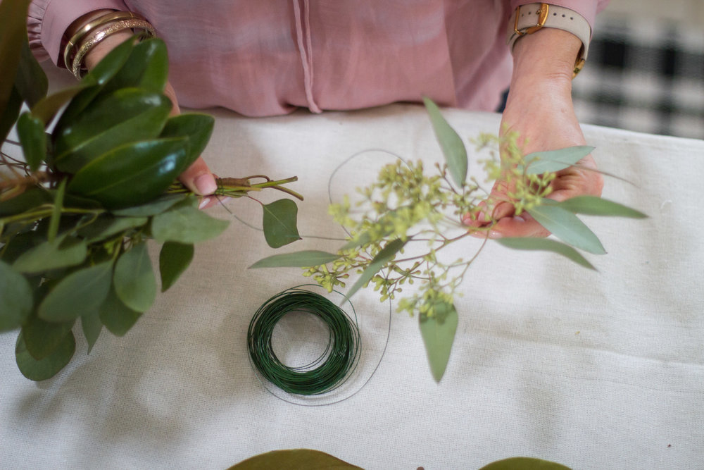 how to make a hoilday garland