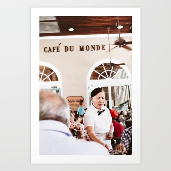 CAFE DU MONDE WAITRESS