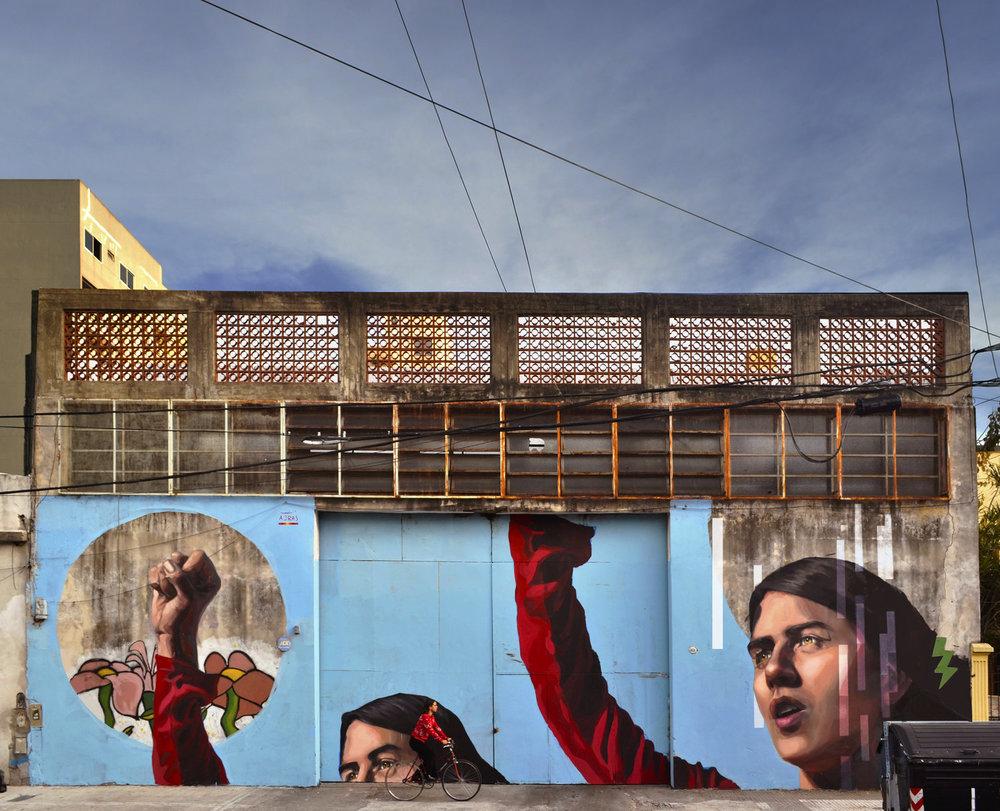 mujeres que pintan en la calle | mariela ajras
