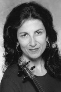 Joan_Capra_violin