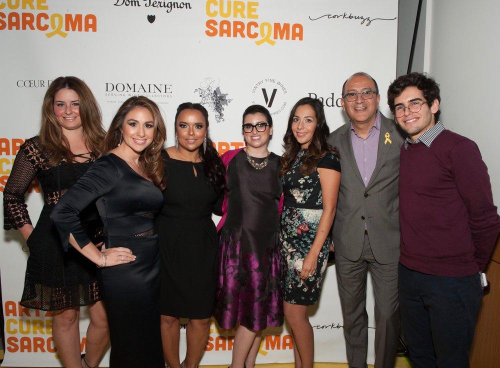 In the photo from left to right:  Marielena Santana, Diana Valencia, Zulema Arroyo-Farley, Alita Giacone, Bebe Belén, Daniel Villaroel and Nicolas Paredes.