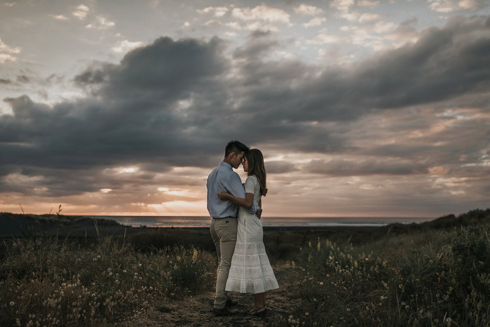 Muriwai Engagement photographer-28.jpg
