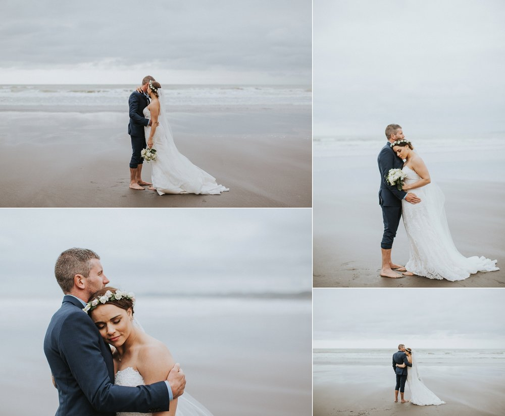 raglan beach wedding photos