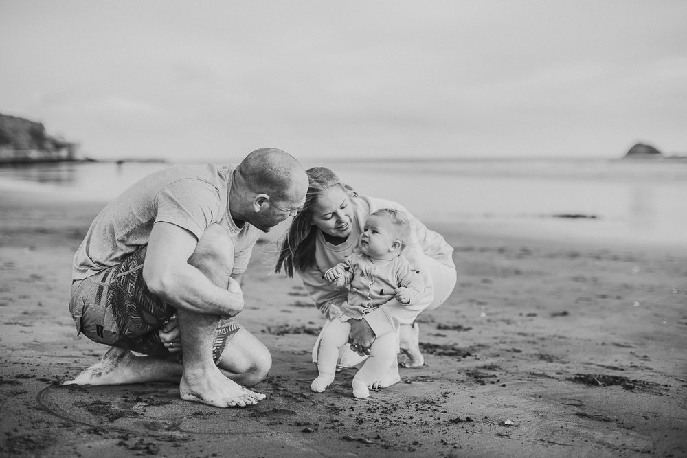 Muriwai family photographer-7.jpg