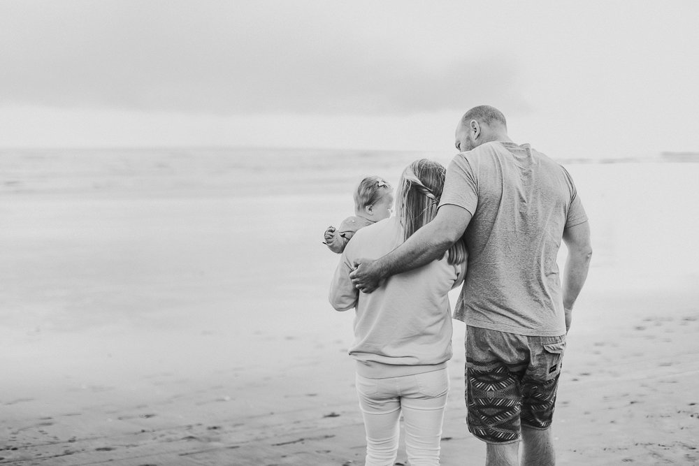 Muriwai family photographer-17.jpg