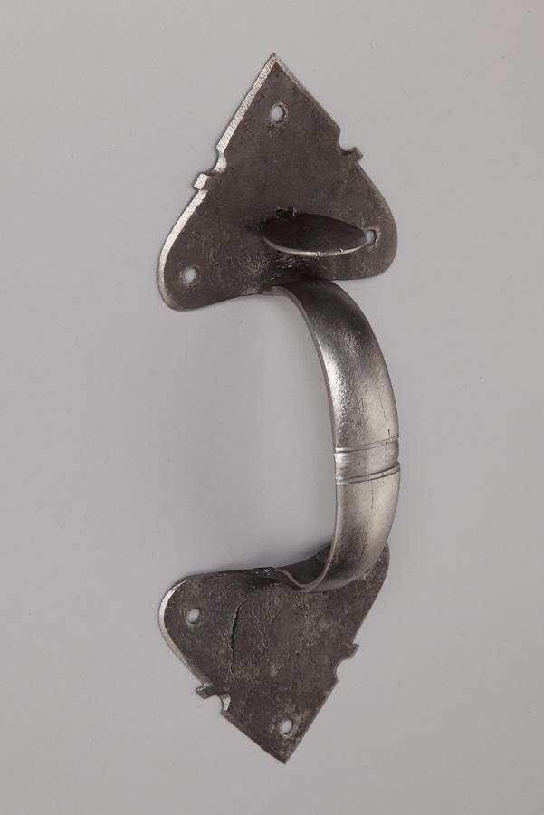 ext. arrowhead latch.JPG