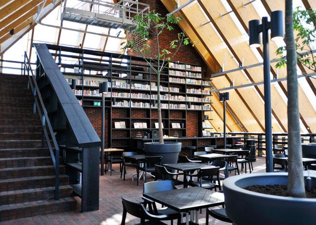 book-mountain-library-05.jpg