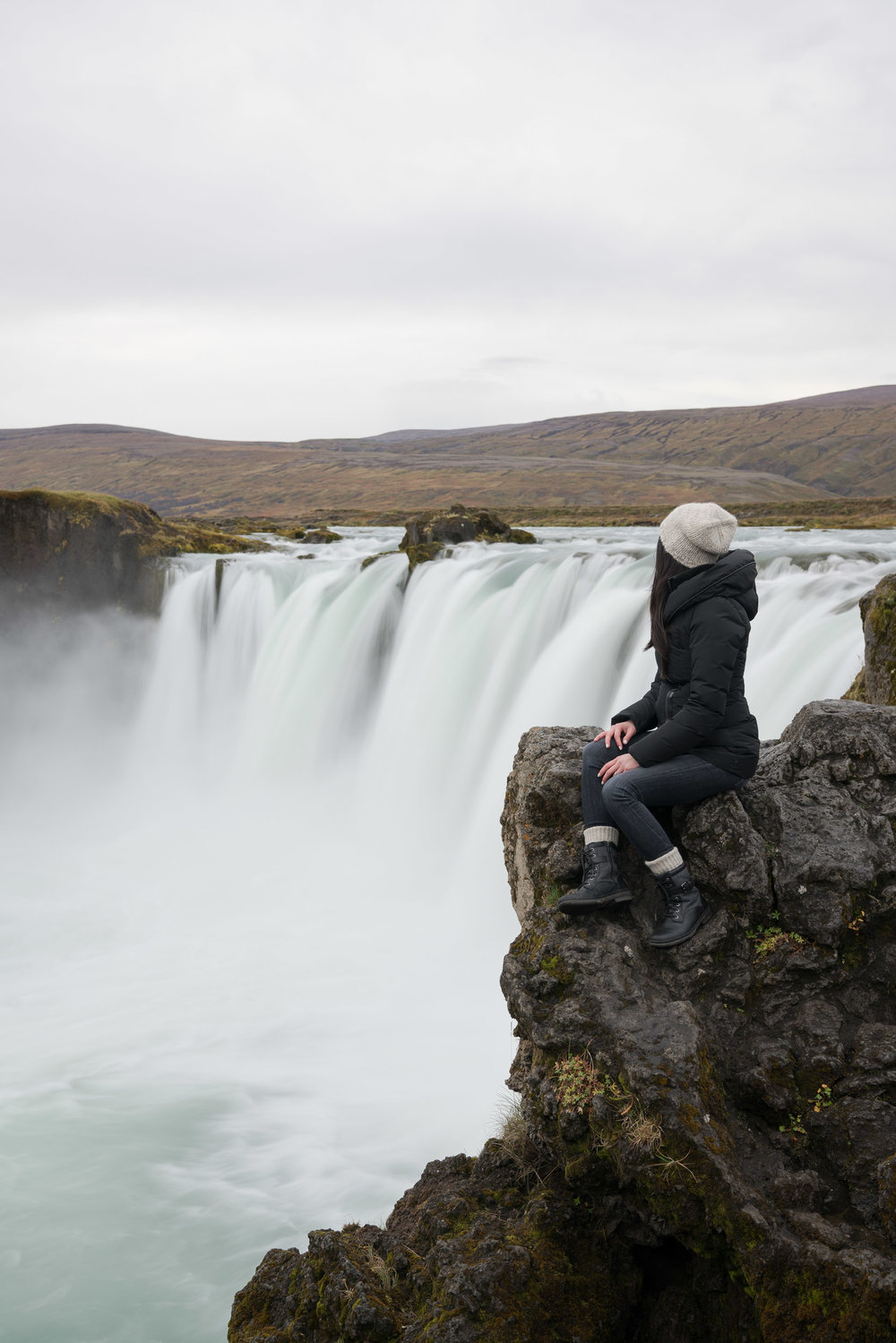 iceland_godafoss_waterfall-1.jpg